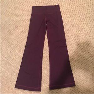 NWOT Lululemon Groove pants plum sz8